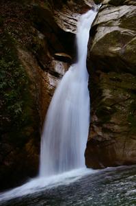 石水渓 白糸の滝.jpg